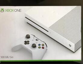 XBOX 500 GB WHITE (EXCELLENT CONDITION)