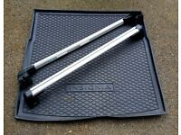 Vauxhall Insignia Estate (2012) Roof bars and Boot Protector