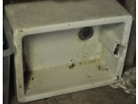 Belfast / butler sink good condition with overflow. Square style