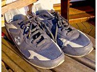 Men's Grey Bowls shoes, Size 8, By Welkin