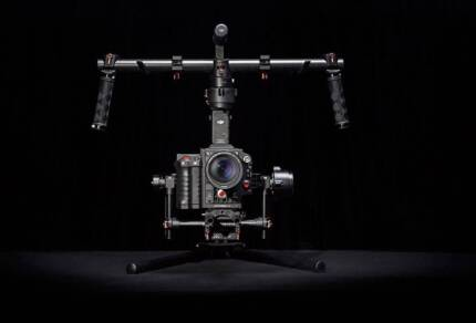 DJI Roning 3 axis gymbal with Case + extra battery