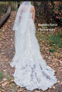 Stunning Lace Wedding Dress for Sale