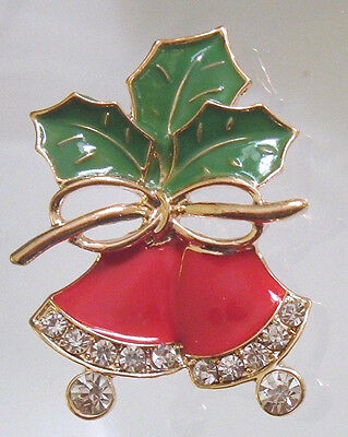 BROOCH RED BELLS DAZZLING RHINESTONES GREEN HOLLY LEAVES GOLD BOW