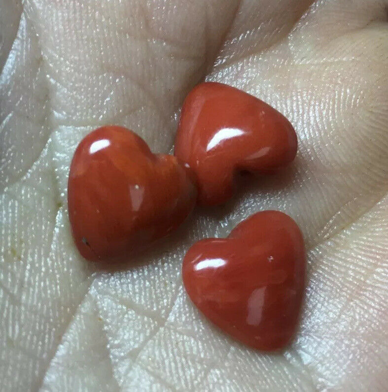 3pieces 11mm Antique Red Italian Coral Top Drilled Hearts 10 Carats #104