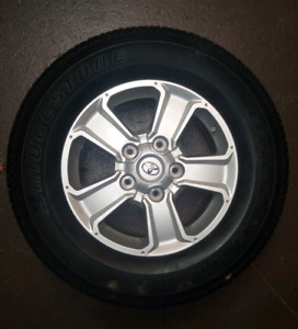 4 Toyota tires on rims P275/65R18