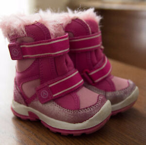 18 month pink winter coat and snow pants, Size 5 boots London Ontario image 2