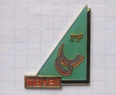 MAXELL / STERNZEICHEN STIER ....................Unterhaltung-Pin (124i)
