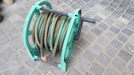 Garden hose reel and hose