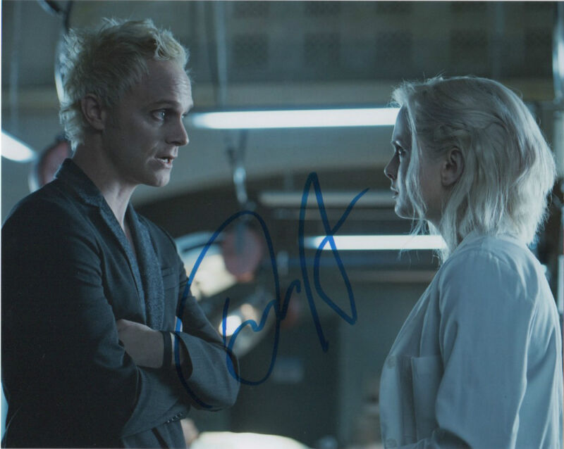 David Anders iZombie Autographed Signed 8x10 Photo COA B