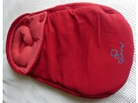 Quinny Baby Cocoon, Red. Excellent condition.