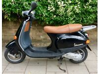 BLACK PIAGGIO VESPA ET2 MOPED 49CC PETROL REGISTERED 2005