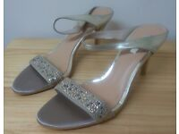 Special Occasion Womens Shoes Size 39 NEW