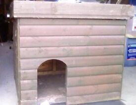 Strong Dog Kennel in good condition