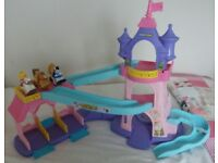 Disney Princess Fisher-Price Little People Klip Klop Stable Playset