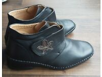 'Comfort Walk' shoe/ankle boots, never worn. Size 8 wide fit
