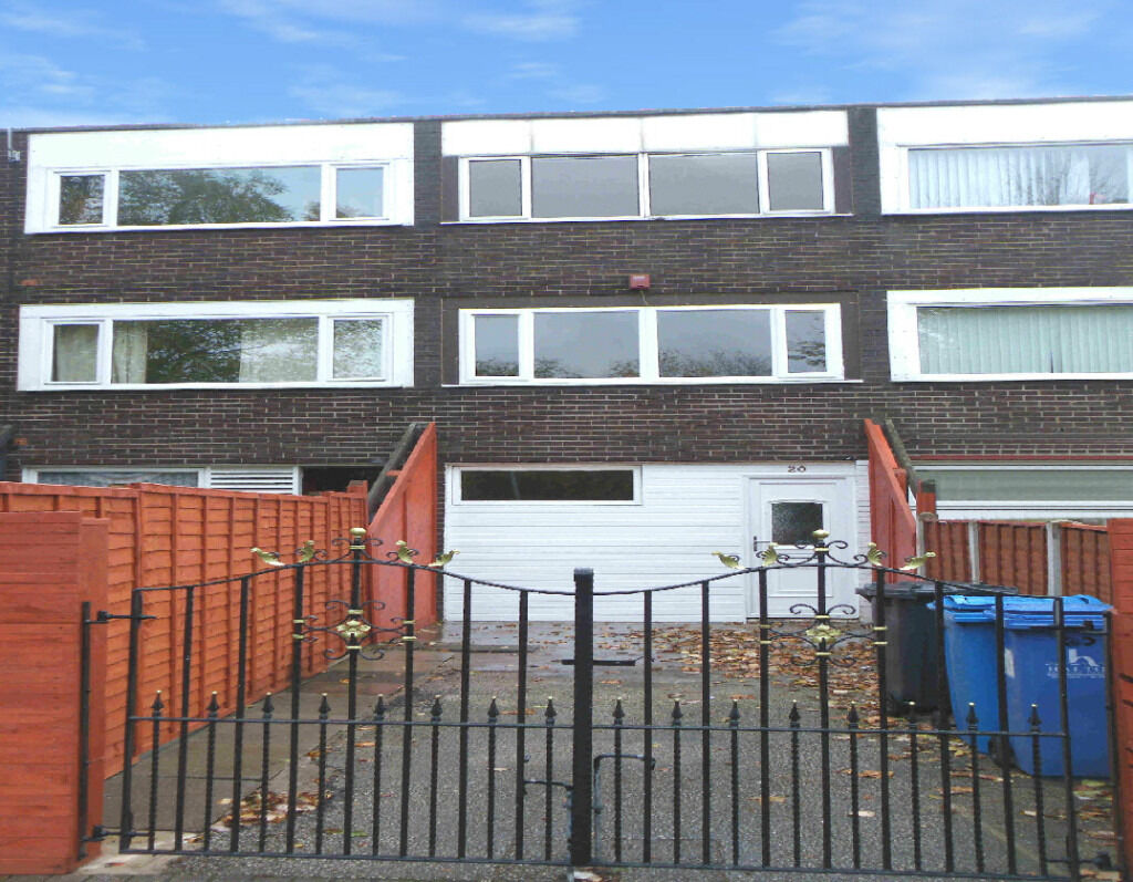 Runcorn. Extremely Spacious 5 Bedroom House. DSS Accepted. Very Low upfront cost. £229pw