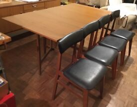 Schreiber Gateleg Dining Table and Four Chairs
