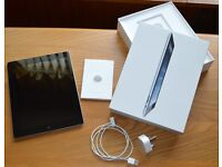 Apple iPad 2 16gb Black & Silver in mint condition and well looked after
