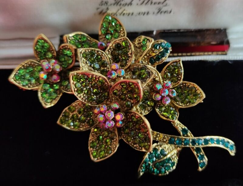 Vintage Style Crystal Flower Brooch Pin Bouquet Gold Tone Statement Jewellery