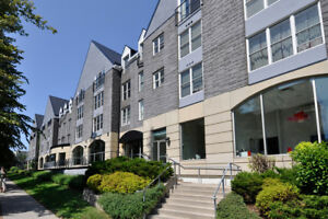 Large 1 Bedroom +Den in the south end. In-Suite Laundry!