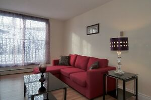2 bedroom just off Dunbrack, only $900  for AUG! DND Discount**
