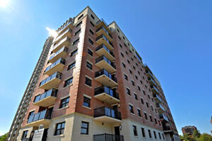 Huge Luxury 1Bdrm in Beautiful South End High Rise!