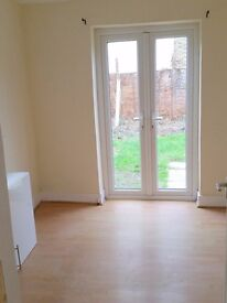 3bed flat, 5 mins to station, garden, free parking, from NOW!!!