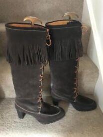 Gorgeous 100% Genuine Ralph Lauren Boots Size 6
