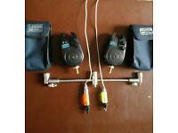 2× LEEDA 2XL BITE alarms with buzz bar