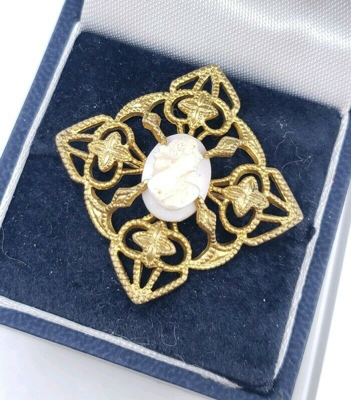 Antique Victorian Small Carved Cameo Brooch Pin
