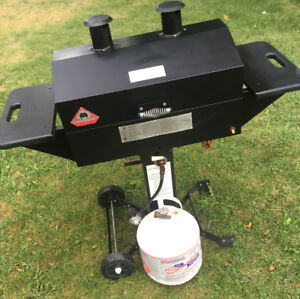 Excellent Holland Grill  Wood Chip Smoker w/ BONUS!!  SEE VIDEO