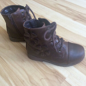 Girls Place Boot Size 9