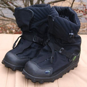 NEOS Explorer Overshoe - Insulated (XL)