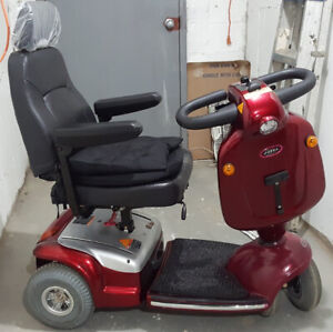 Shoprider Cobra 4-WHEEL MOTORIZED SCOOTER $900,  Like New