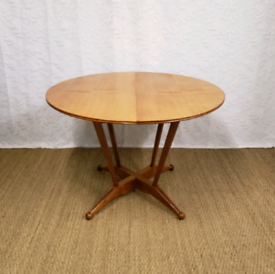 Vintage mid century teak extending dining table, 60s furniture refurb