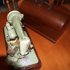 Singer 185K Sewing Machine with Bentwood Wooden Case