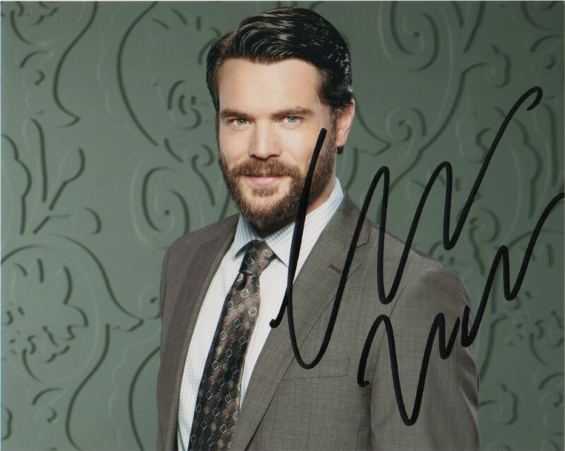 Charlie Weber How to Get Away with Murder Autographed Signed 8x10 Photo COA #8
