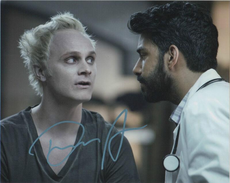 David Anders iZombie Autographed Signed 8x10 Photo COA F