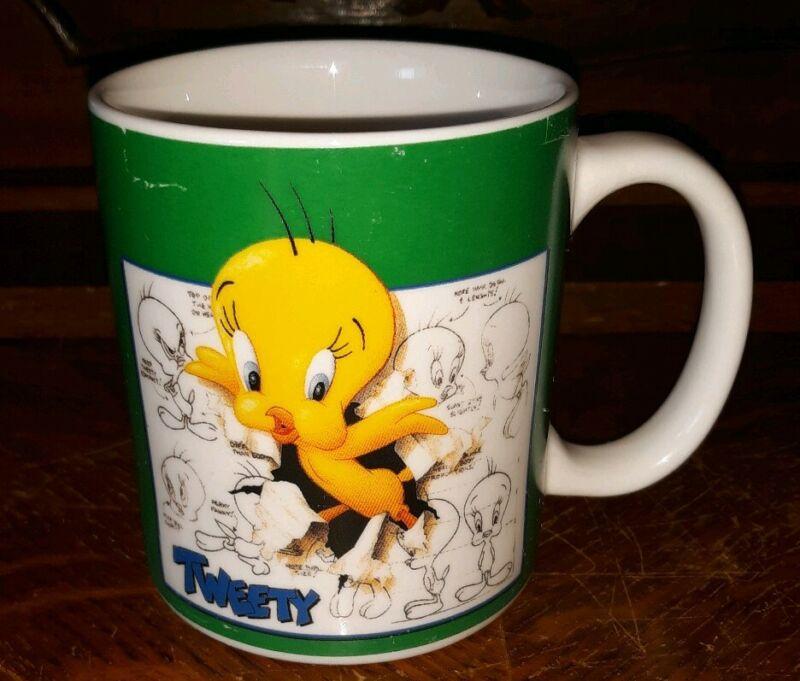 TWEETY BIRD COFFEE MUG--WARNER BROS STUDIO STORE--1995 VINTAGE