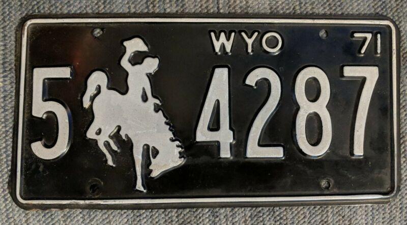 Original 1971 Wyoming License Plate