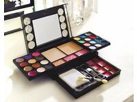 42 Piece Diamonds Palette. Elegant. Perfect for travel. To suit all tastes.