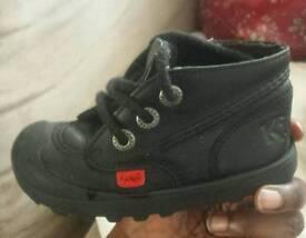 Kickers Black Unisex Shoes Size 7(24)