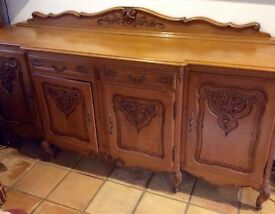 BEAUTIFUL VINTAGE CARVED OAK FRENCH SIDEBOARD IN LOUIS XV STYLE LARGE 4 DOOR
