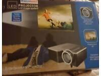 Excelvan home projector