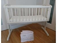 Mothercare Swinging Crib White, Airflow Foam Mattress, Breathable Mesh Crib Liner Bumper Immaculate