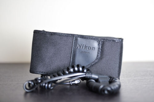 Nikon SD-8 Hi-Performance Battery Pack for Nikon Flashes with Case