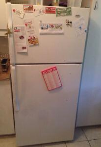 Réfrigérateur-congélateur INGLIS en très Bon état