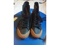 Tretorn black casual shoes size 5 UK