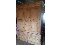 Solid pine triple wardrobe * free delivery