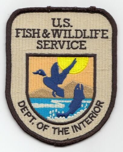 A13G * UNITED STATES FISH WILDLIFE STATE CONSERVATION GAME WARDEN POLICE PATCH